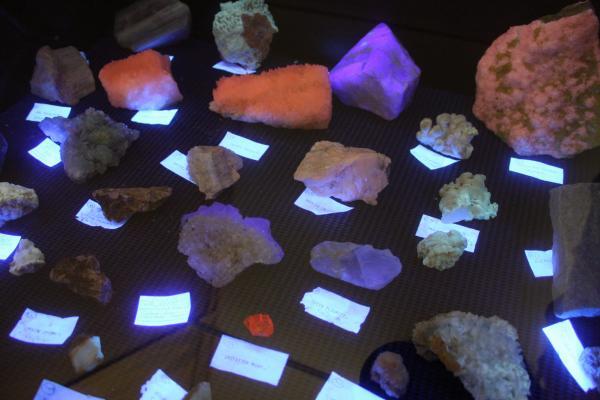UV fluorescent minerals